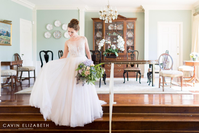 luxury san diego wedding at the darlington house, darlington house wedding bride getting ready, la jolla wedding inspiration
