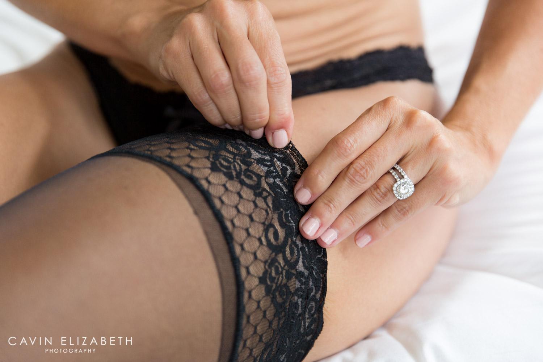 striking boudoir session from a san diego boudoir photographer