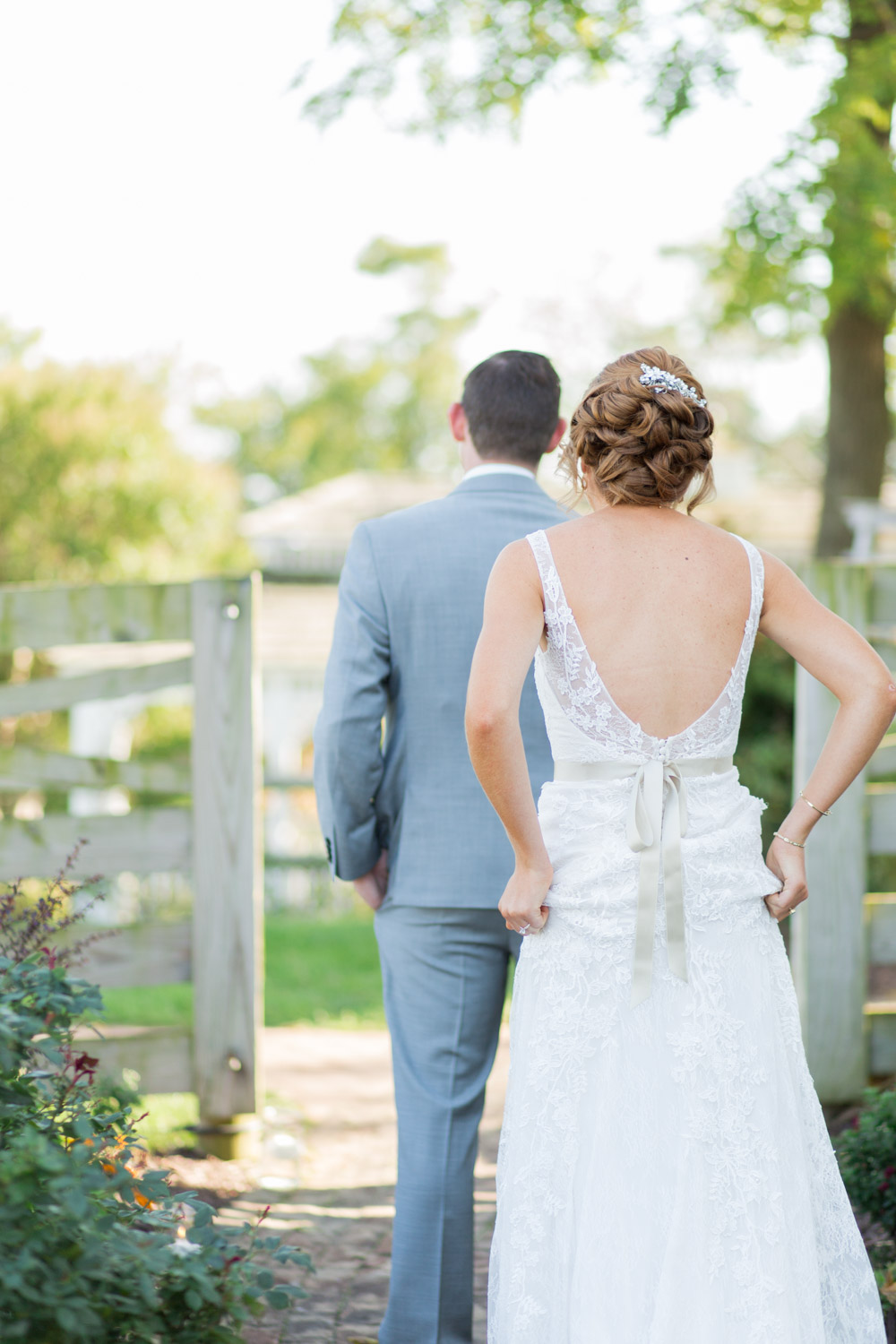 First look at Walker's Overlook in Maryland, Adorable moment before the groom sees the bride for the 1st time, Cavin Elizabeth Photography