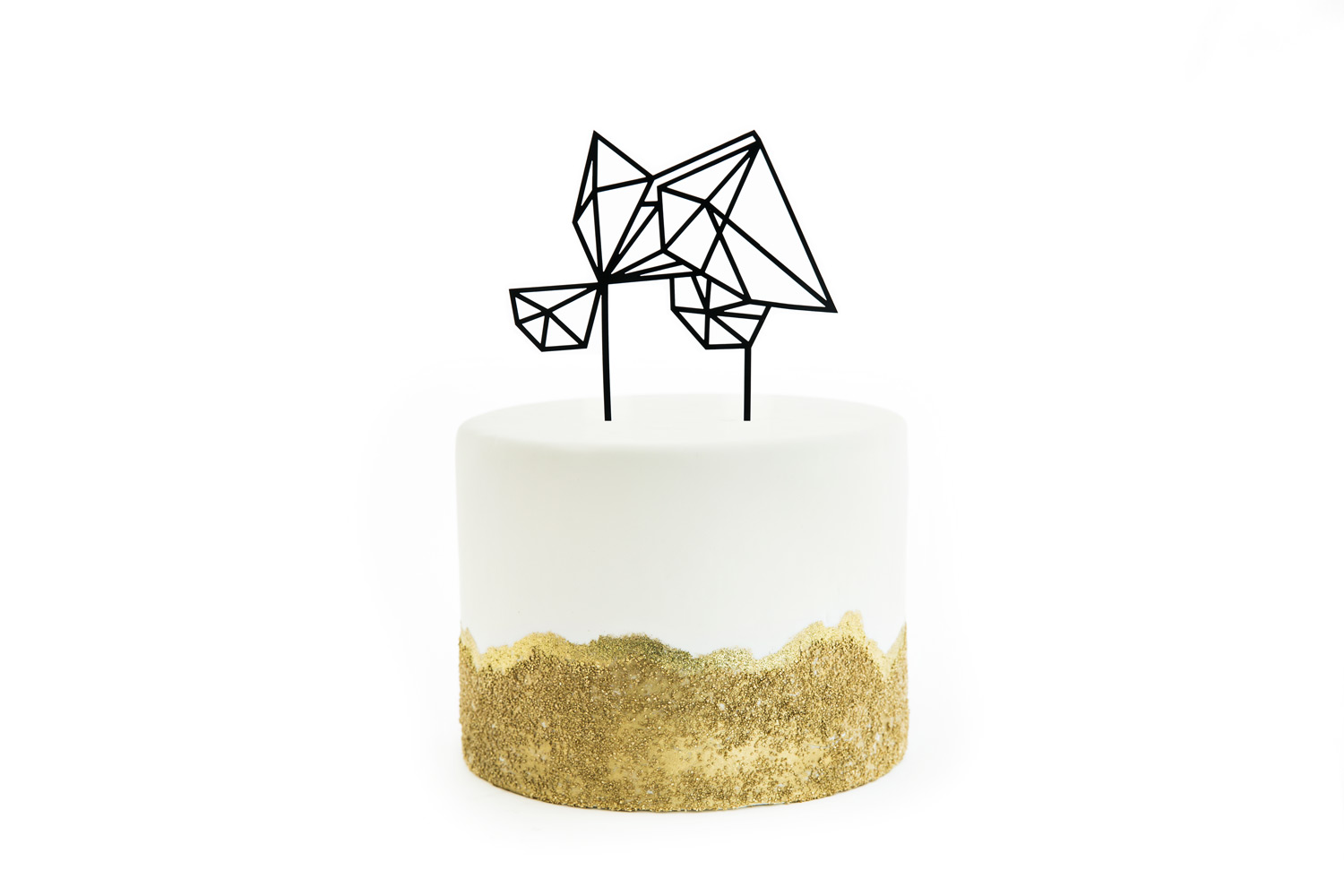 Black diamond geometric laser cut acrylic cake topper by The Roc Shop on top of a white cake with gold glitter, #WeddingMinimalismProject by Cavin Elizabeth Photography