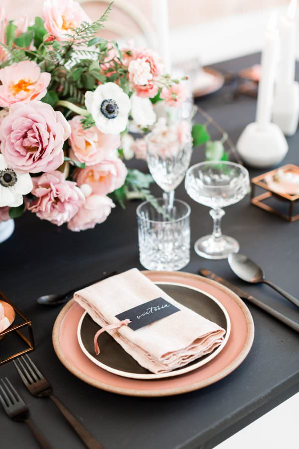 Pink napkin on black and pink plates, Black pink and gold wedding inspiration or rehearsal dinner inspiration, Cavin Elizabeth and Amorology
