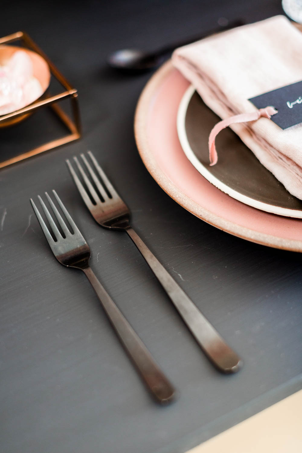 Black flatware on a black table, Black pink and gold wedding inspiration or rehearsal dinner inspiration, Cavin Elizabeth and Amorology