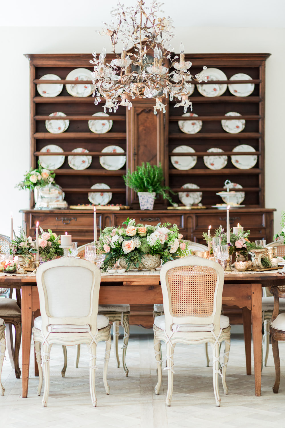 Peach white and green fine art centerpiece tablescape, Rancho Santa Fe Private Estate Easter Party Inspiration, HauteFetes, Cavin Elizabeth Photography