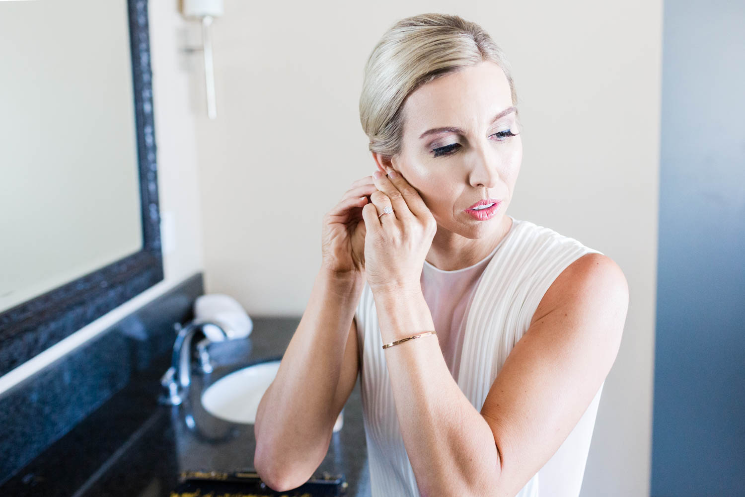 Wedding getting ready for 849 wedding in Palm Springs, Cavin Elizabeth Photography