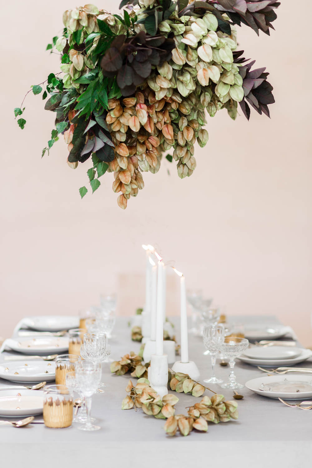 Grey black and pink wedding inspiration tablescape with hanging floral installation, Cavin Elizabeth and Amorology