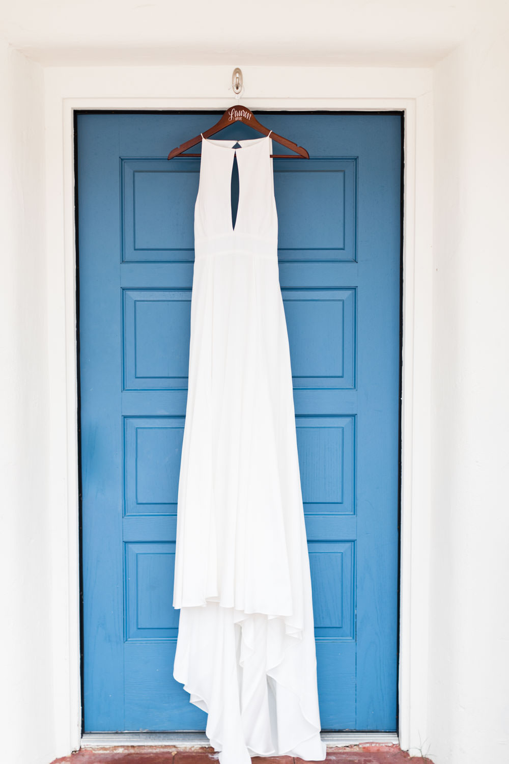 White Rebecca Schoneveld Lincoln wedding gown with keyhole neck, Cavin Elizabeth Photography