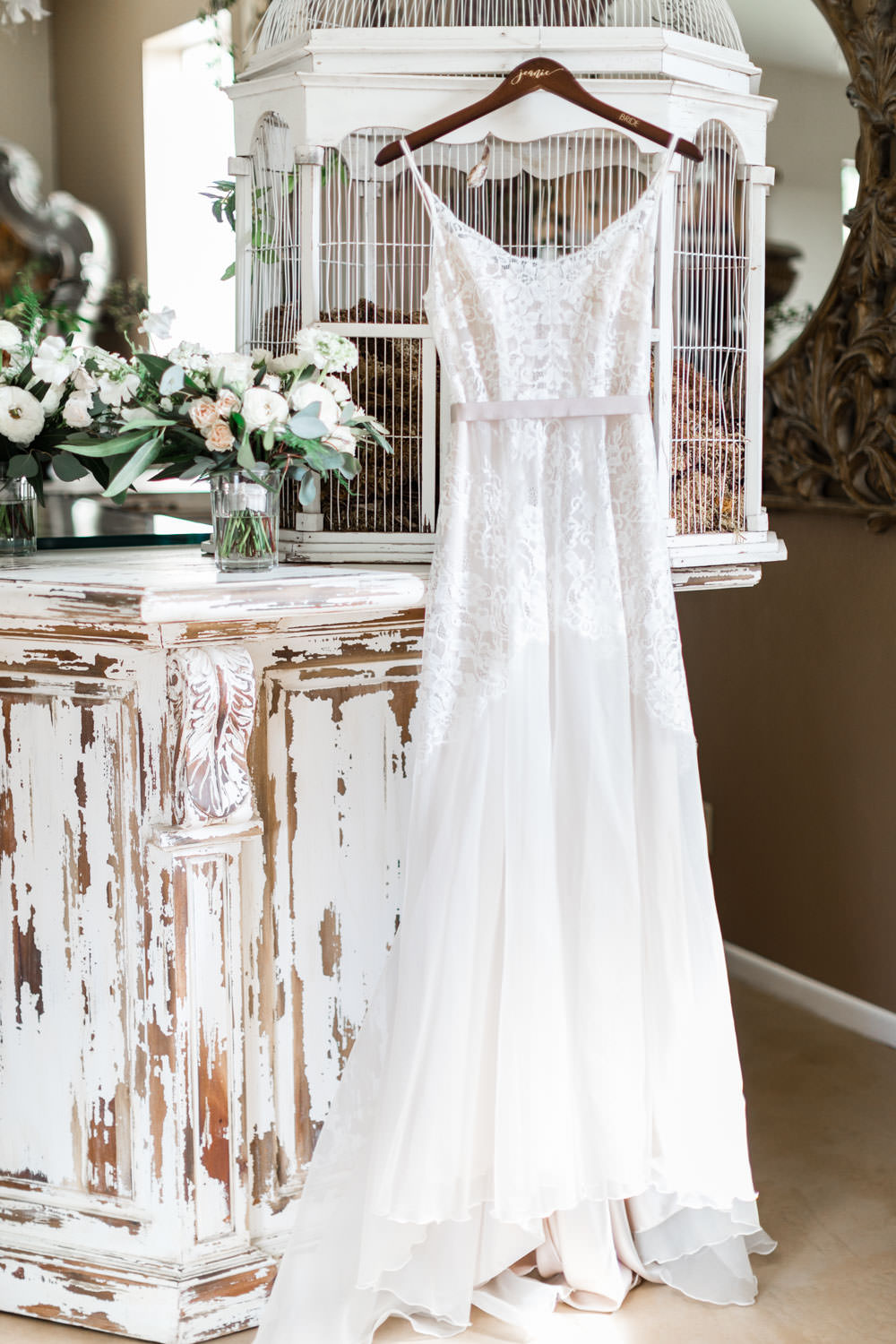 Anais Anette lace wedding gown sleeveless, Cavin Elizabeth Photography