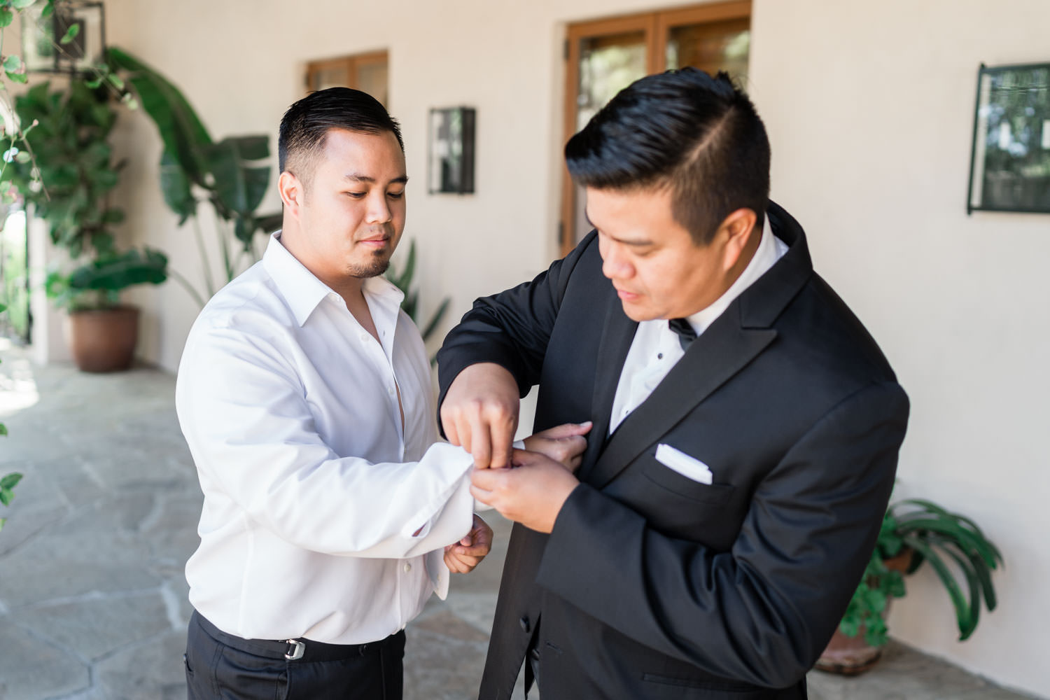 Groom getting ready for his Santaluz Club wedding, Cavin Elizabeth Photography
