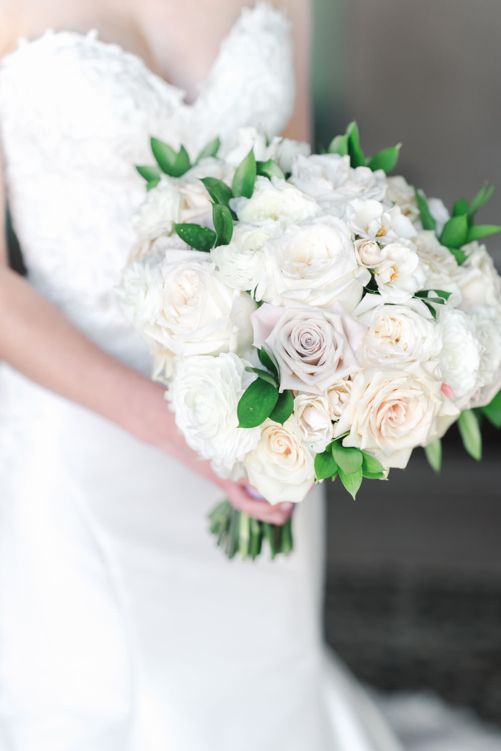 White lavender and green round wedding bouquet, Santalux Club wedding reception, Cavin Elizabeth Photography