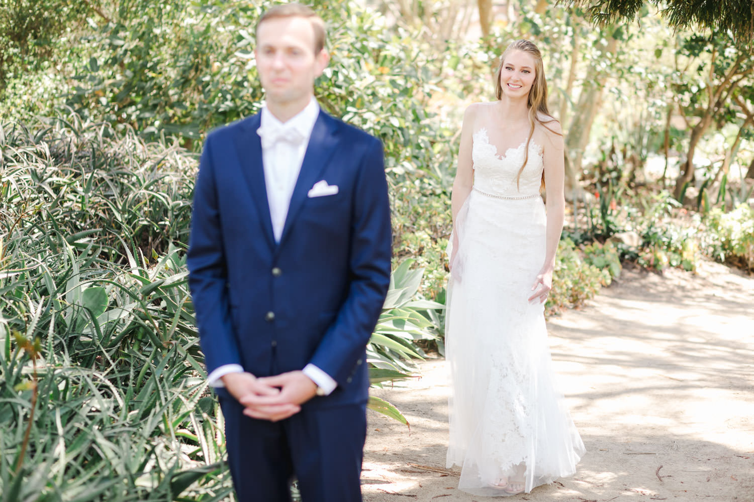 San Diego Botanic Garden Wedding first look, Cavin Elizabeth Photography