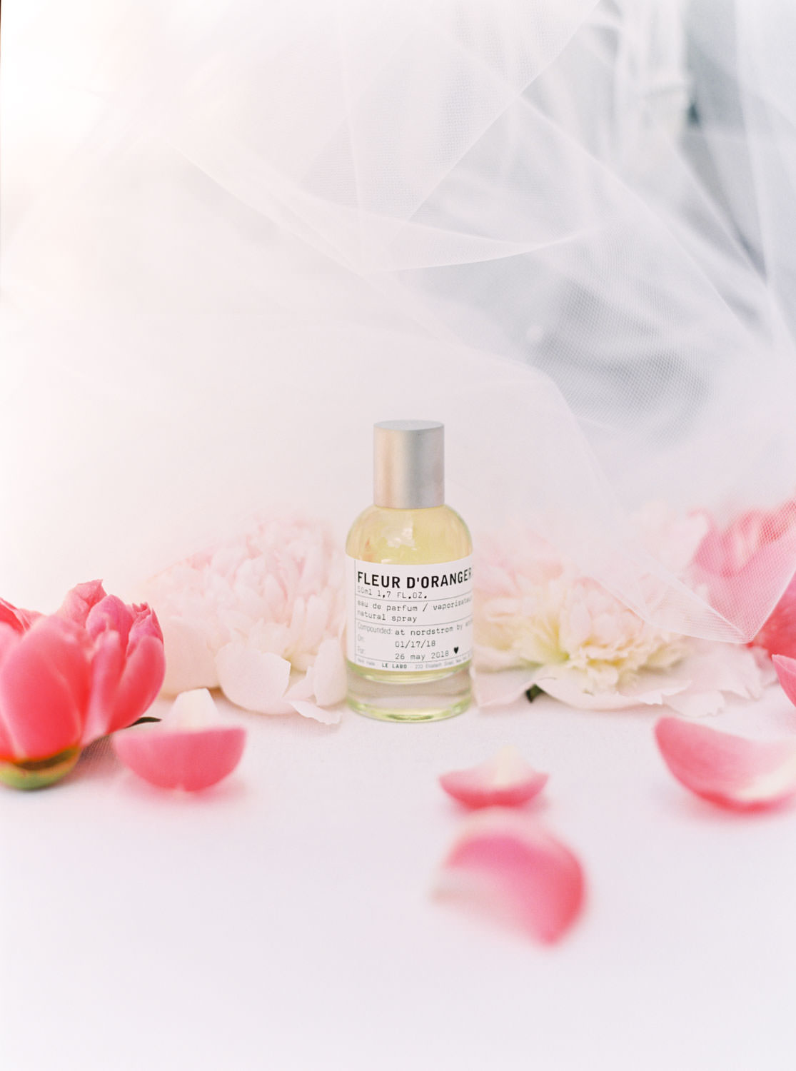 Custom wedding day perfume, Cavin Elizabeth Photography