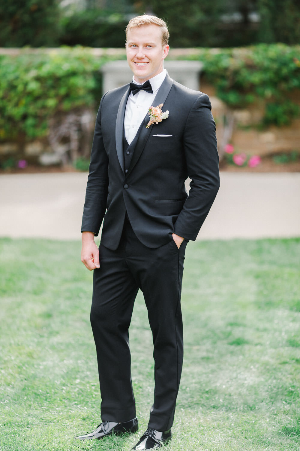 Groom in The Black Tux at Estancia La Jolla, Cavin ELizabeth Photography