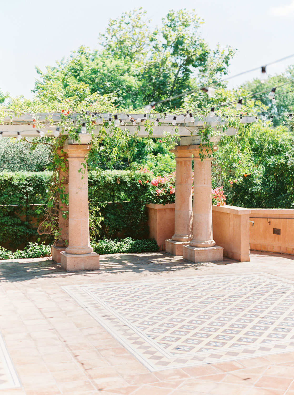 Weddings at Rancho Valencia in the Sunrise Terrace Patio, Cavin Elizabeth Photography - San Diego film photographer