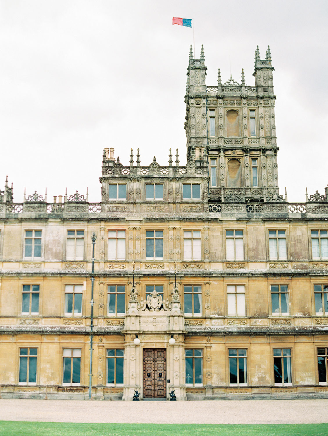 Downton Abbey house, Visiting Highclere Castle in England where Downton Abbey is filmed, Cavin Elizabeth Photography