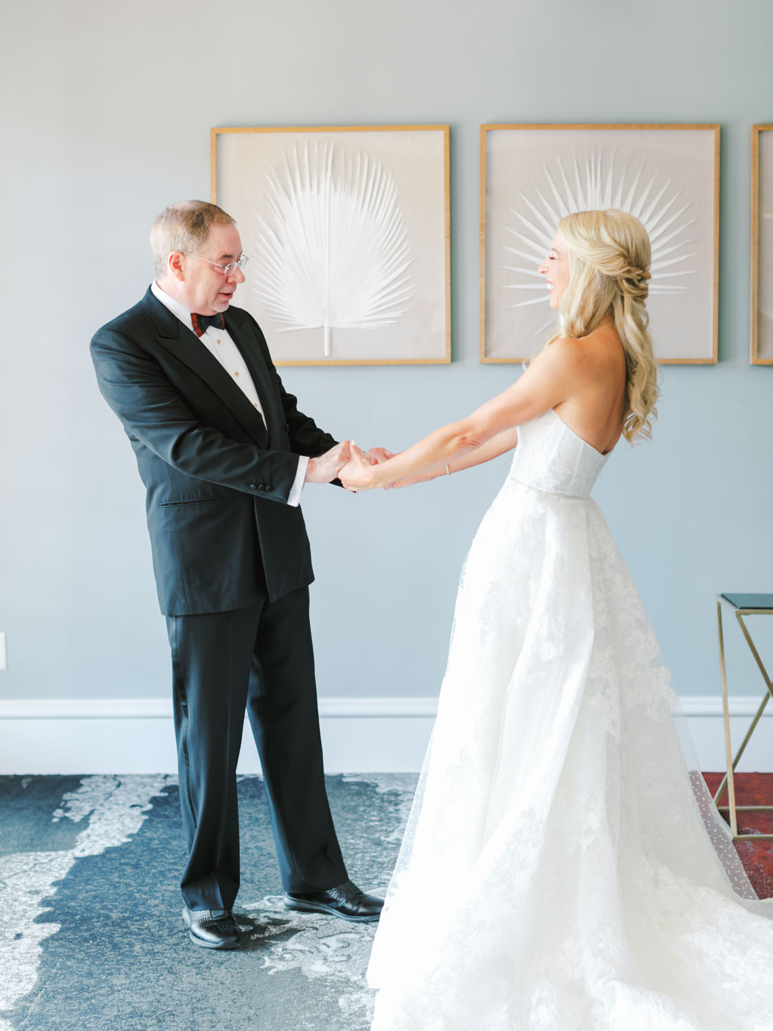 Bride first look with her father. Miramonte Resort wedding. Photography by Cavin Elizabeth.